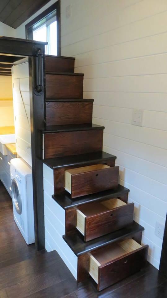 tangga plus storage
