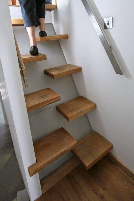 tangga rumah ala kapal