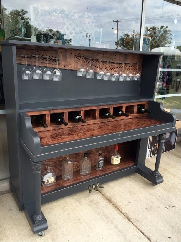 mini bar unik dari piano bekas