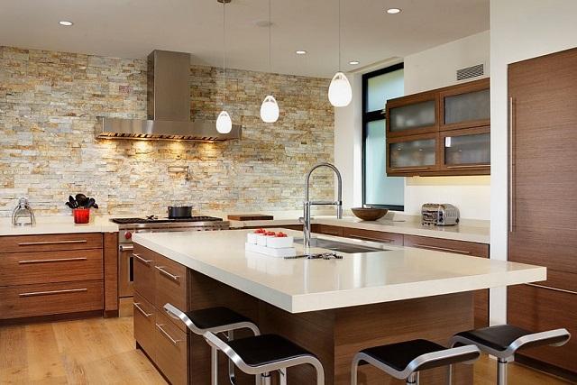 dapur dengan dinding batu