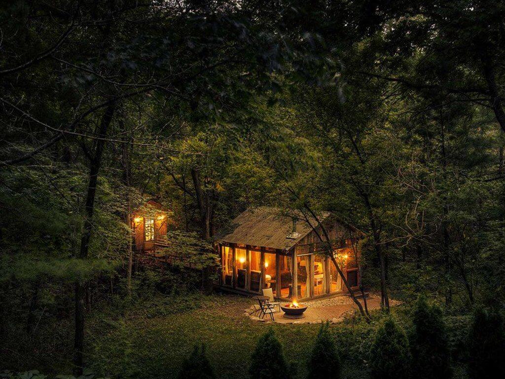 kabin tengah hutan