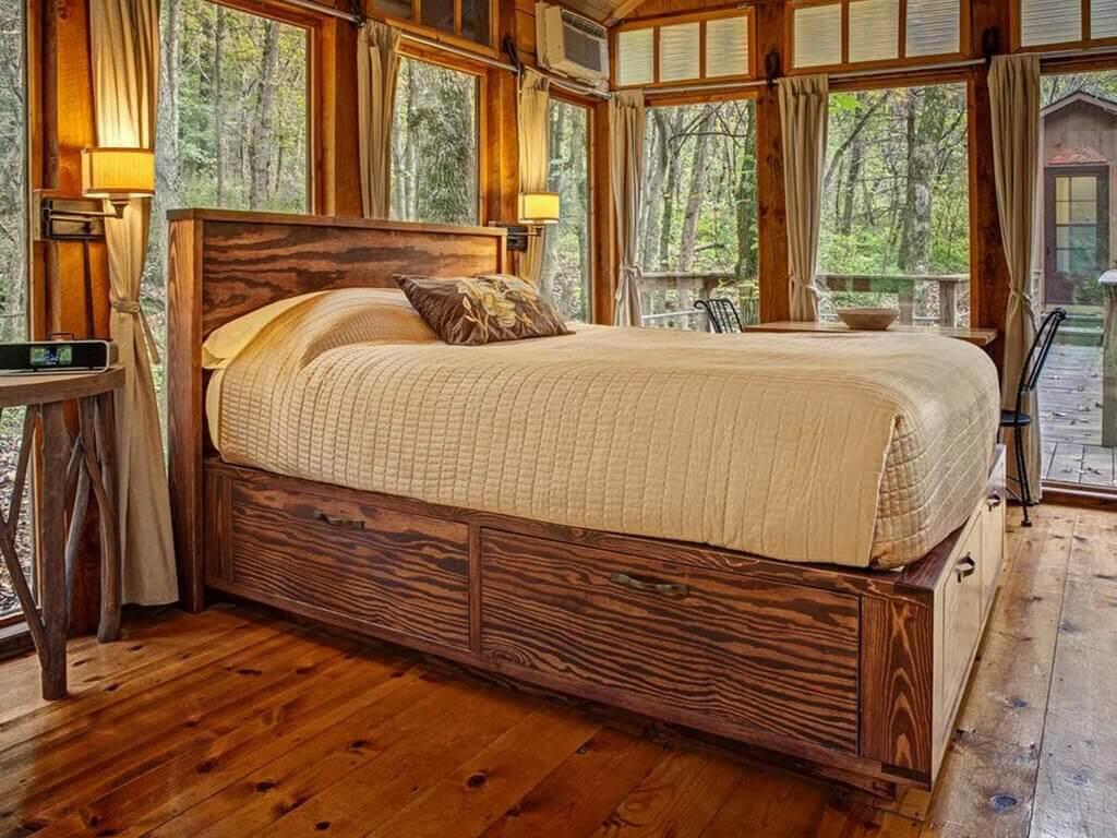 interior kamar tidur kabin glass house