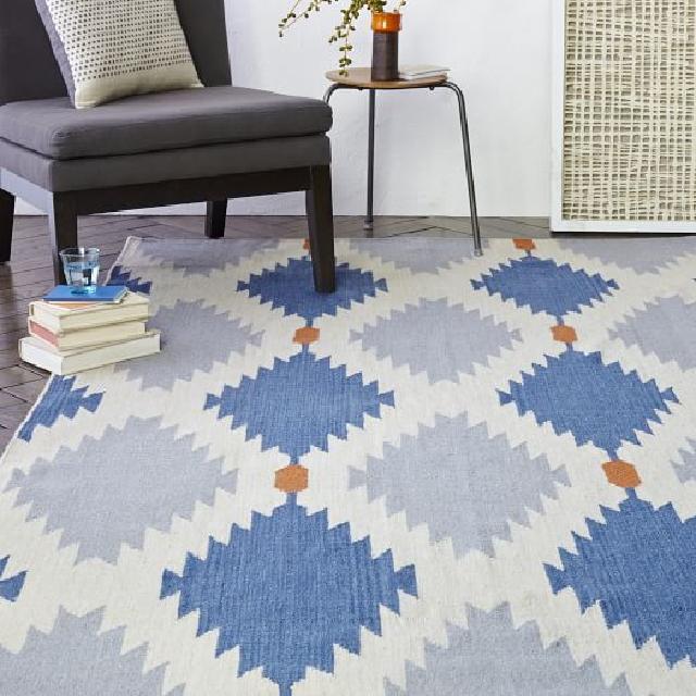 jenis karpet lantai sebagai dekorasi ruangan