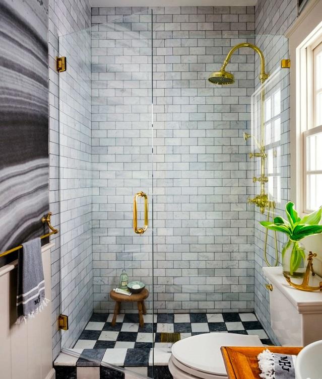 desain kamar mandi kecil minimalis. ~ via House Beautiful