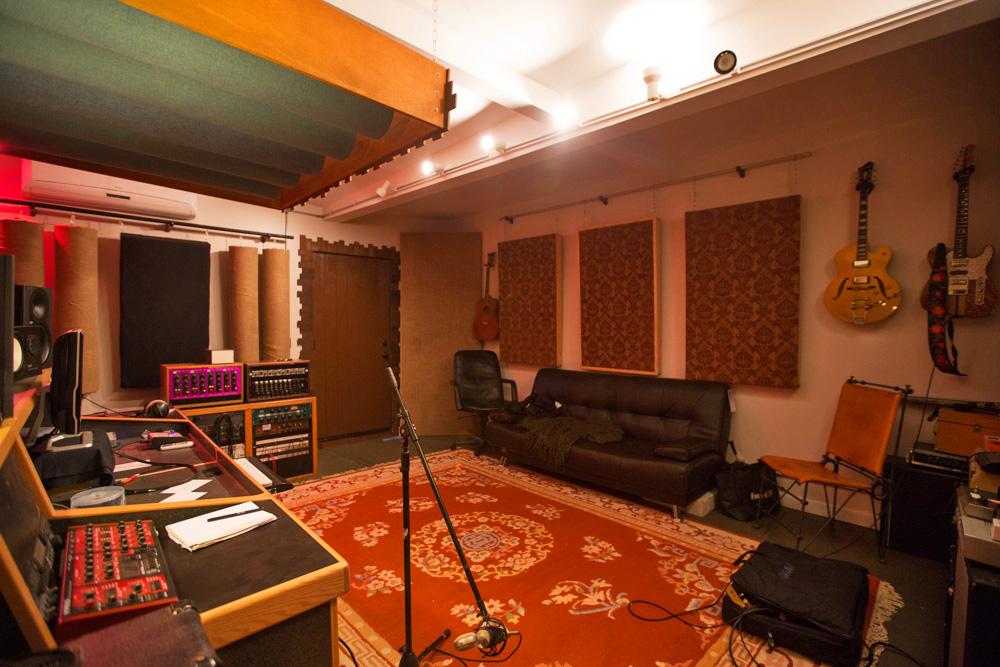 Merancang Desain Studio Musik di Rumah yang Ideal dan Nyaman | InteriorDesign.id