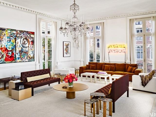 rumah idaman dengan konsep interior neo-klasik yang menggabungkan elemen dekoratif klasik dengan modern. Keselarasan elemen lama dan unsur dekoratif baru.