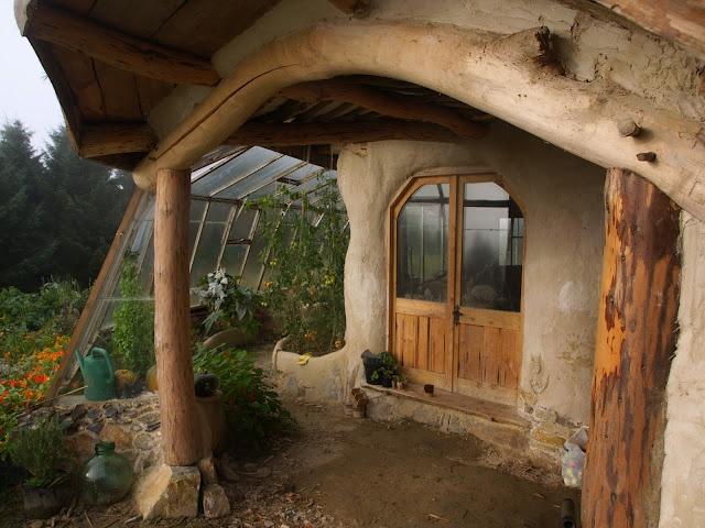 Desain rumah ramah lingkungan; desain rumah cob ala mexico