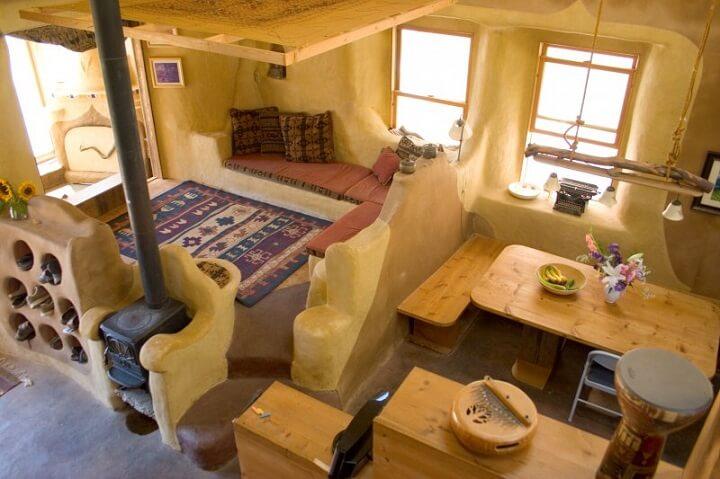Desain rumah ramah lingkungan; desain ruang tamu rumah modern-cob