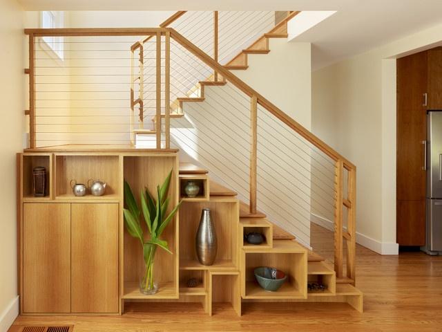 ide desain interior yang unik dan menarik; tempat penyimpanan di bawah tangga