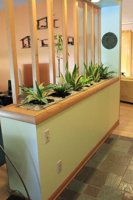 dekorasi ruang dengan tanaman, elemen natural dengan kombinasi batu dan kayu