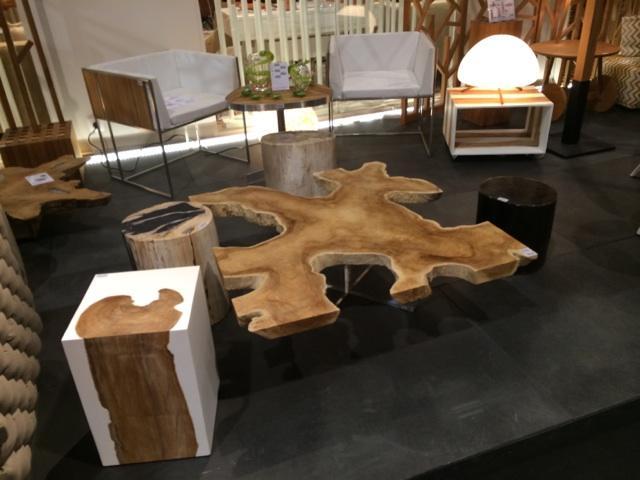 unsur dan elemen dasar desain interior; bentuk dan model furnitur organik; bentuk asimetris