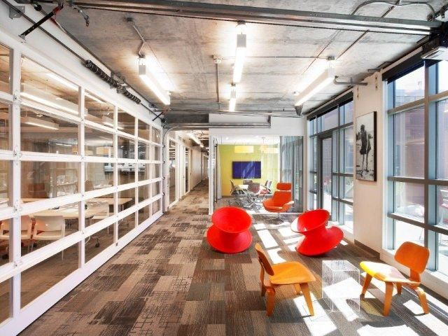 desain ruang rapat; ruang kolaborasi dan ruang miting garasi