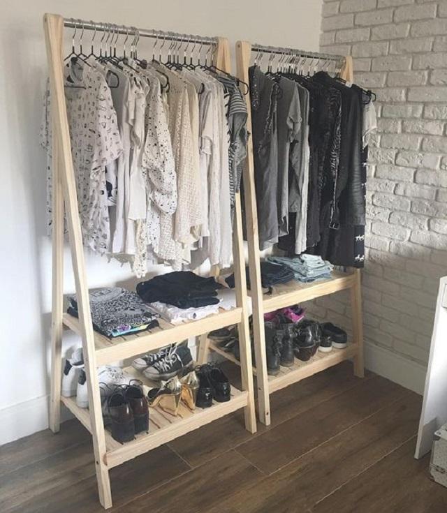 mini wardrobe walk in closst mungil di sudut ruang kamar tidur