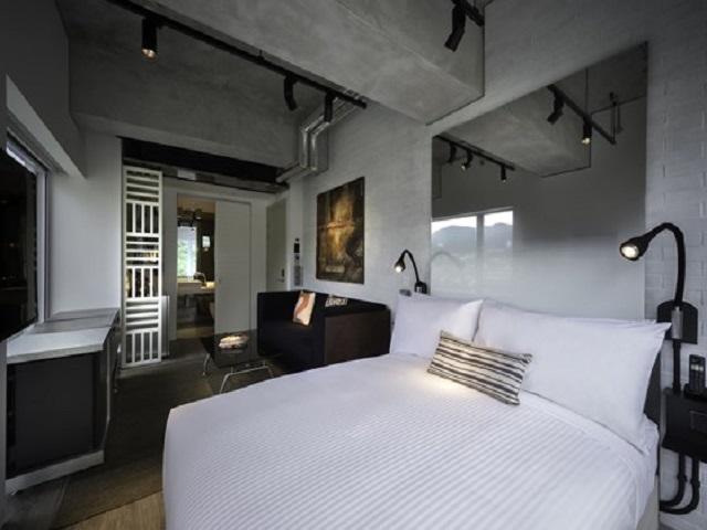 desain interior kamar hotel industrial