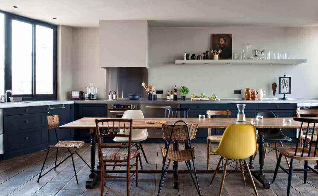ruang makan dengan konsep wabi-sabi