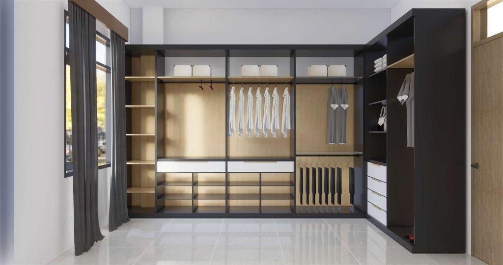 Walk in closet dengan kaca yang besar dan tirai menjuntai hingga lantai