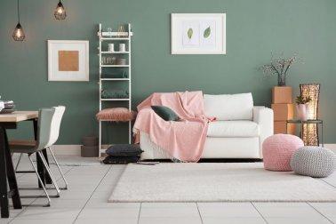 Desain ruang tamu dan ruang keluarga tanpa sekat dengan konsep modern minimalis