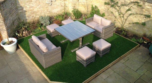 Desain Taman Dengan Barang Bekas  rumput sintetis 5 aplikasi dekorasi rumah yang sejuk dan