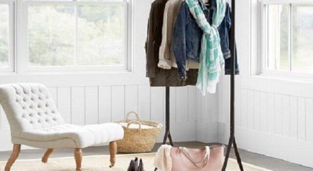lemari pakaian unik