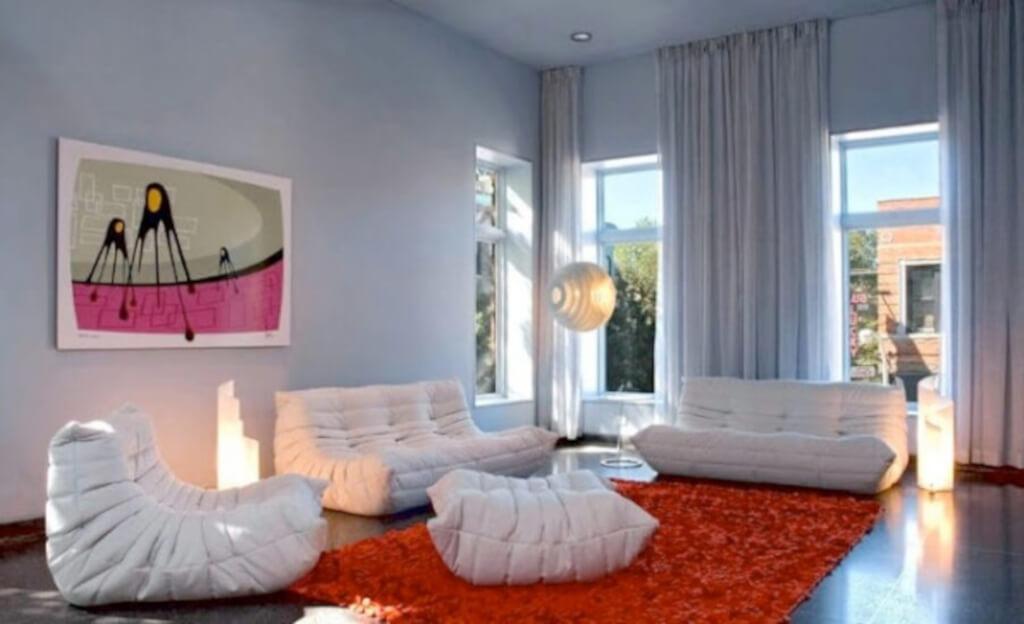 dekorasi ruang keluarga gaya pop art