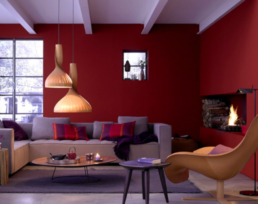 warna merah anggur pada ruangan