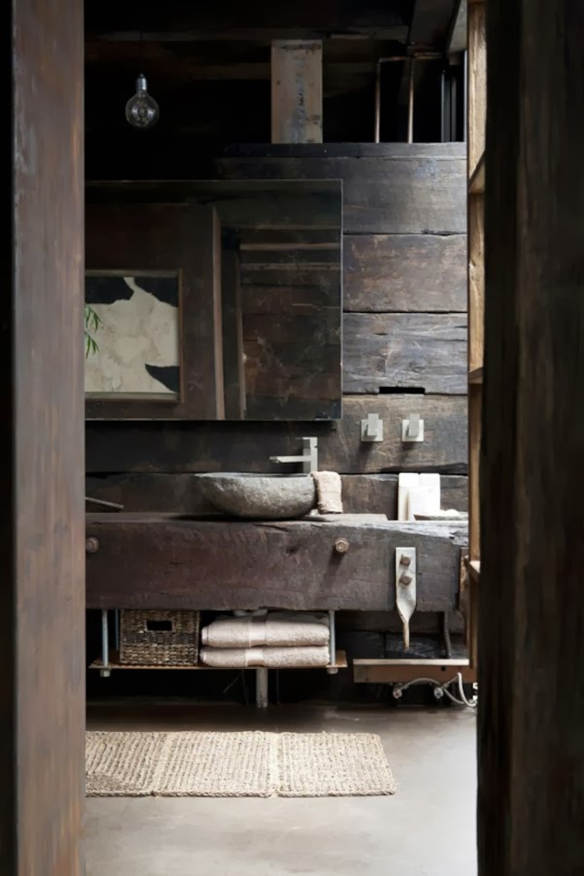 interior kamar mandi wabi-sabi