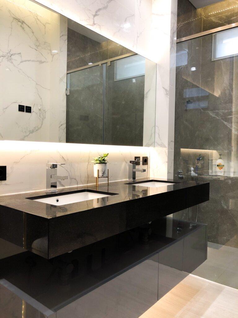 kamar mandi hunian minimalis