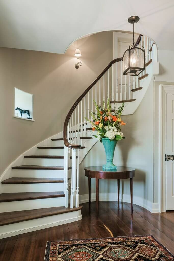 model tangga rumah lengkung