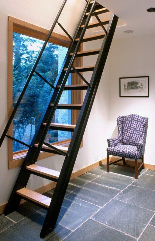 model tangga rumah panjat