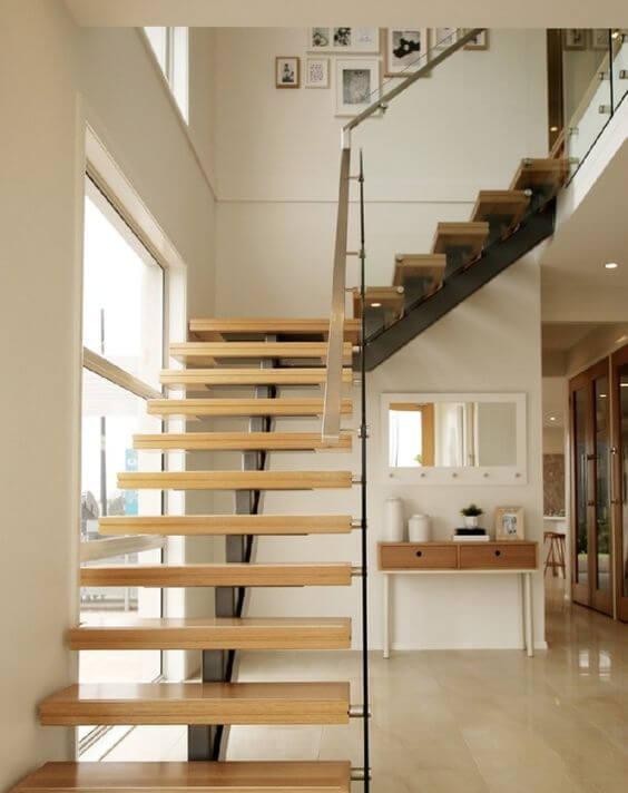 model tangga rumah bentuk l