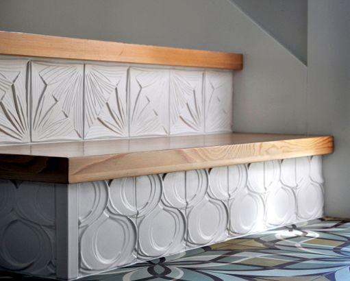 dekorasi tangga dengan ubin