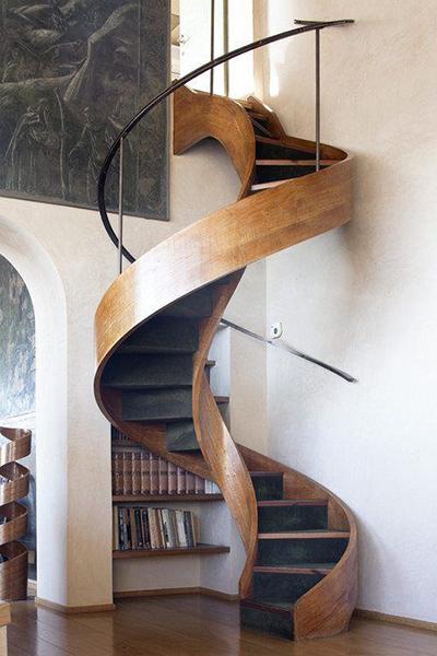 kekurangan tangga putar minimalis