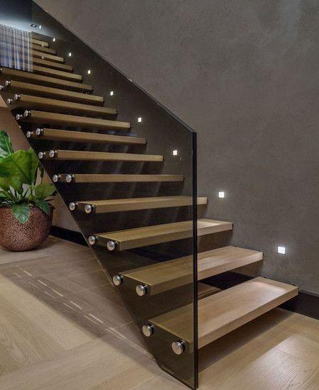 tangga rumah minimalis kayu dan kaca