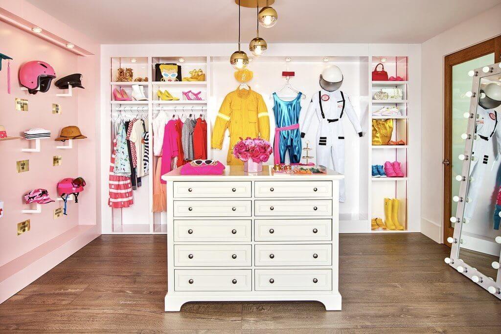 walk in closet tema barbie