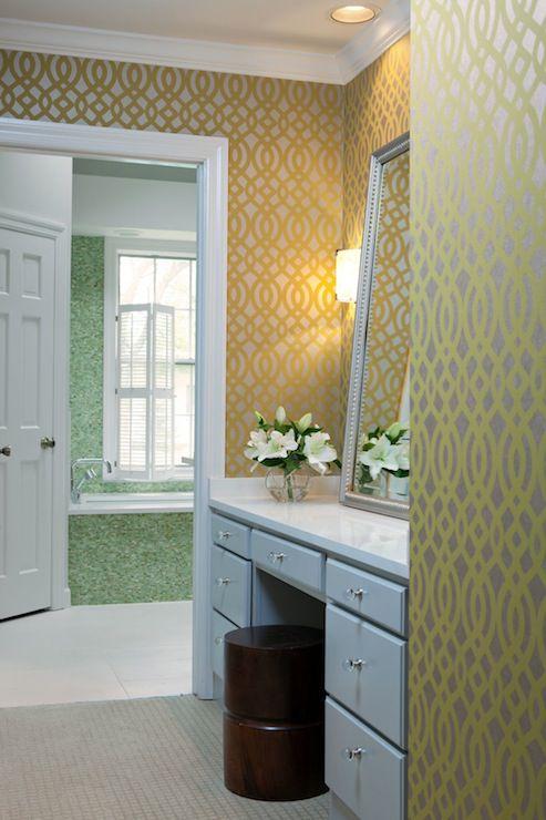 wallpaper dinding kamar mandi dari beth haley design