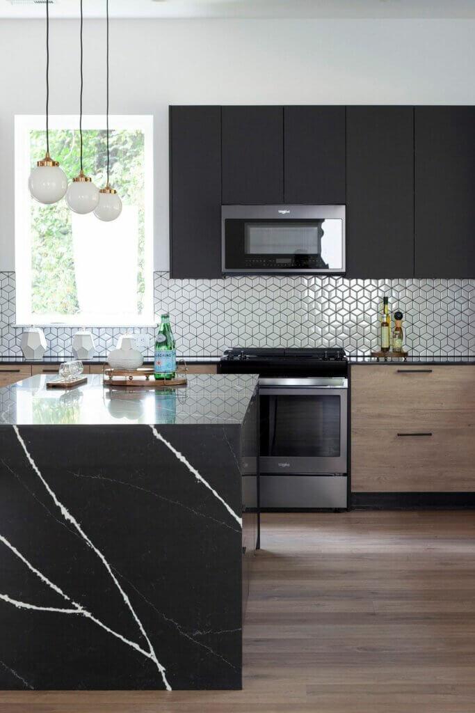 meja dapur keramik berwarna gelap